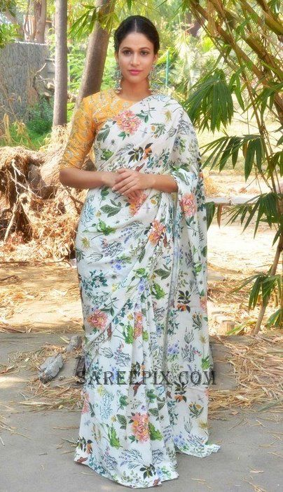 lavanya tripathi in printed saree