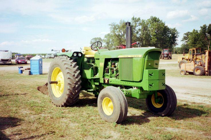 123hp John Deere 4520 from Penfield in 2010