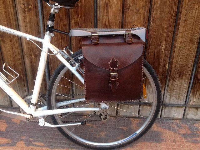 Accesorios para bicicletas Alforja de cuero por Leatherfinerwork, $189,00