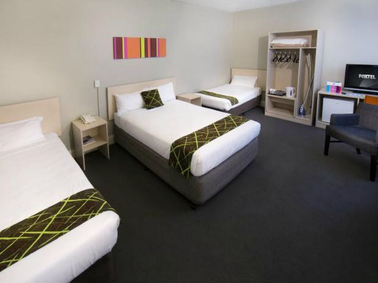 10 hotels- Budget Chain hotels that European families use/know