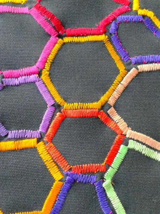 Bordando hexagonos.febrero2013
