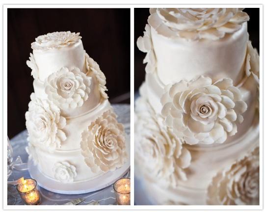 Крупные цветы очень красиво смотрятся! Еще один плюс таких композиций - такой декор не будет сильно увеличивать конечный вес изделия!