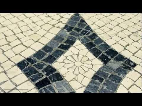 ▶ Primeiro QR Code em calçada portuguesa - YouTube