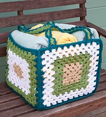 Stitch up just five super-sized granny squares in chunky yarn to make a functional storage basket or beach tote.
