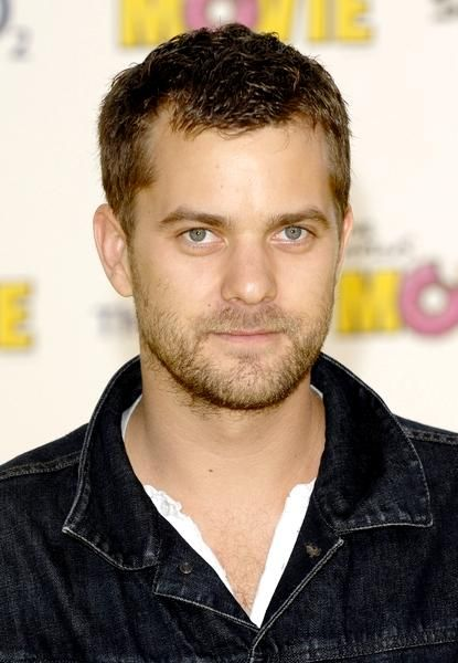 Joshua Jackson- Charlie Conway from The Mighty Ducks!!  So hard to believe that this is the same guy.