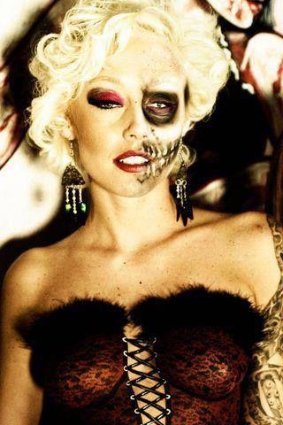 still beautifuleven on fright nite  halloween face