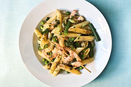 Ριγκατόνι με γαρίδεs, φασολάκια και αρακά - Συνταγές | γαστρονόμος
