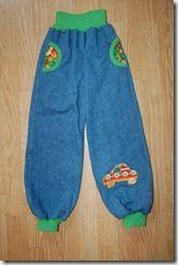 Hvordan sy en bukse med lommer og strikk i livet og beina