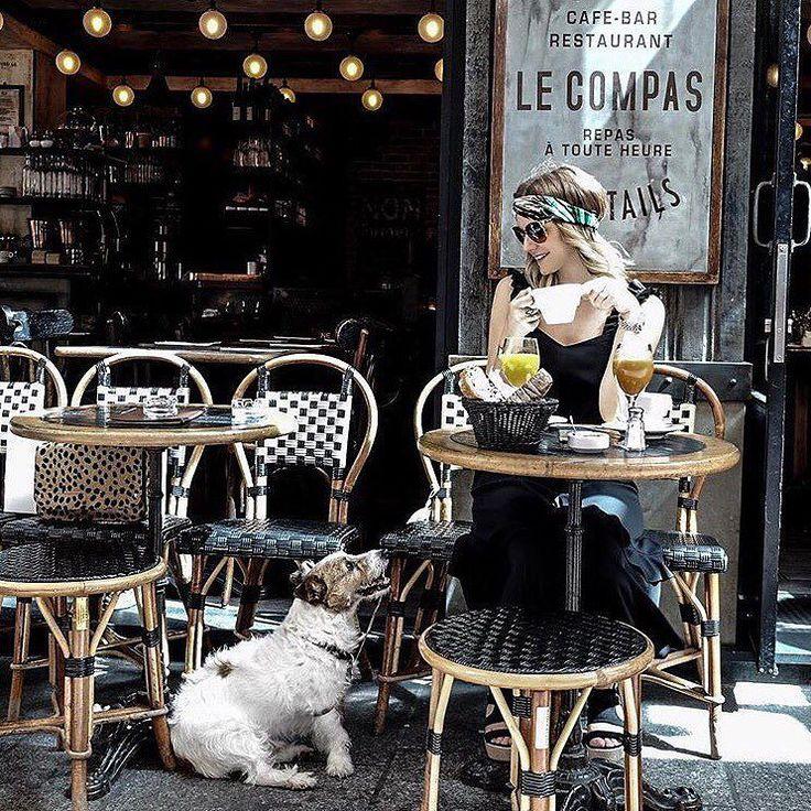 Dernier coup de cœur de la semaine  Cest @littlemissinparis.fr qui porte un joli bandeau @scrunchieisback   Ça nous donne envie de courir prendre un verre en terrasse surtout sous cette chaleur  & vous quoi de prévu ce week-end ?  #lovehivency #coupdecoeur #picoftheday #picoftheweek #favoritepic #blog #blogger #paris #parisian