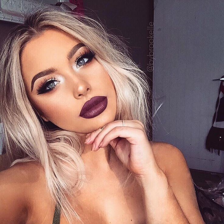 Easy, Step By Step Makeup Ideas and Tutorials for Everyday Natural Looks.  Colorful and Elegant Simple Ideas For Brown Eyes, For Blue Eyes, For Prom, For Teens, For School, and Even For Wedding. Tips For Contouring, Eyeshadows, and Eyeliner.