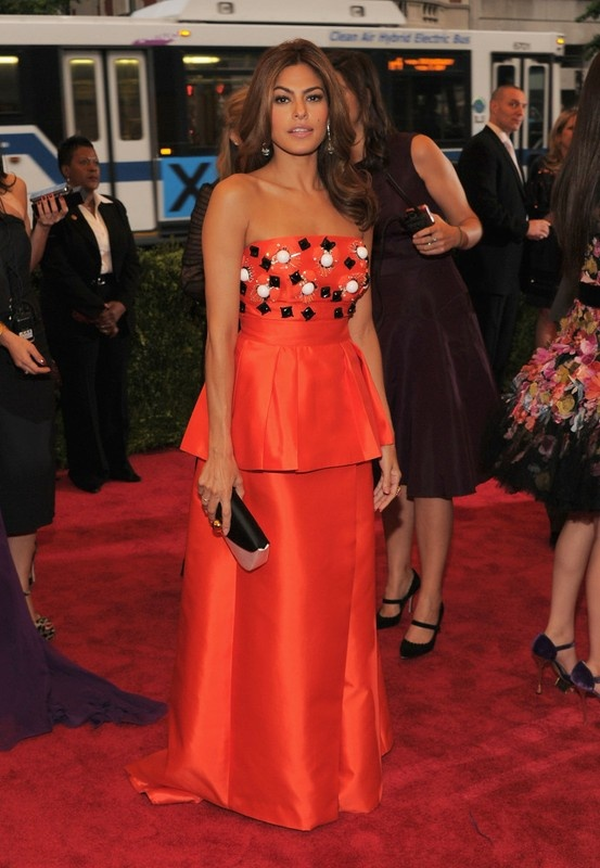 Eva Mendes. Not our favorite dress of the evening but she's gorgeous!Metgala, Eva Mendes, Met Gala, Red Carpets, Style Icons, Chanel Iman, Met Ball, Eva Mendez, Gala 2012