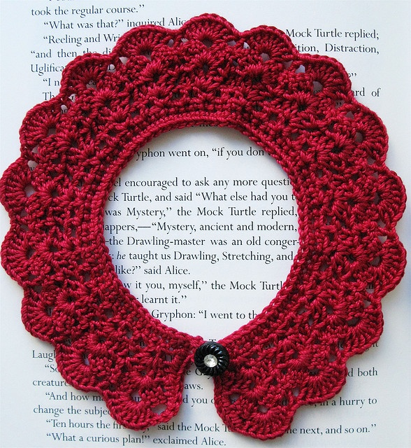 DIY: crochet collar