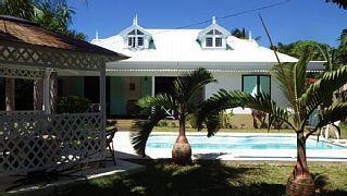 PROMO.+Luxe+villa+en+Traditie+Creole.+Residentiële,+rustig.+Het+strand+op+400+meter+afstand.++Vakantieverhuur in Grand Baie van @homeaway! #vacation #rental #travel #homeaway