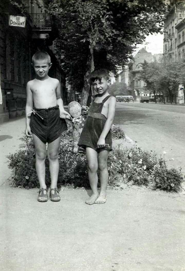 1950-es évek, nyár a Rottenbiller utcában