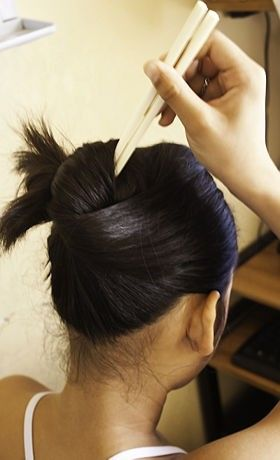 how to put your hair up with chopsticks