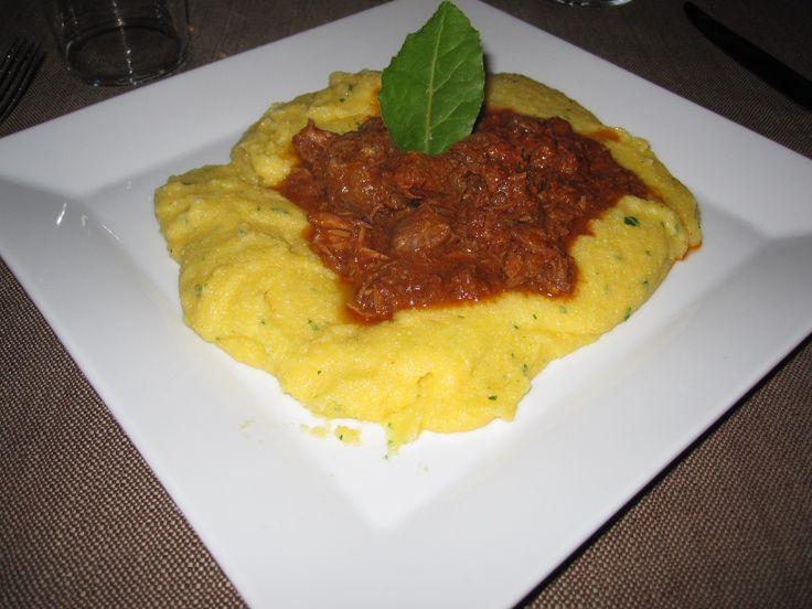 Polenta con sugo all'anatra (polenta met eendensaus)