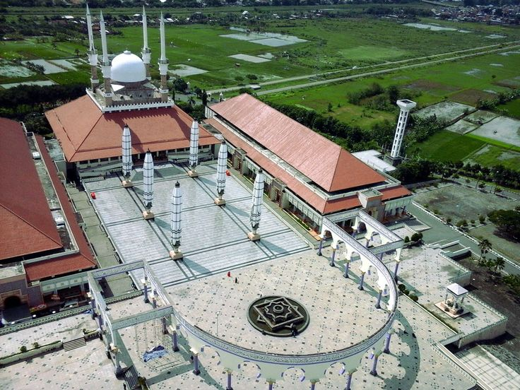 Megahnya Masjid Agung Jawa Tengah
