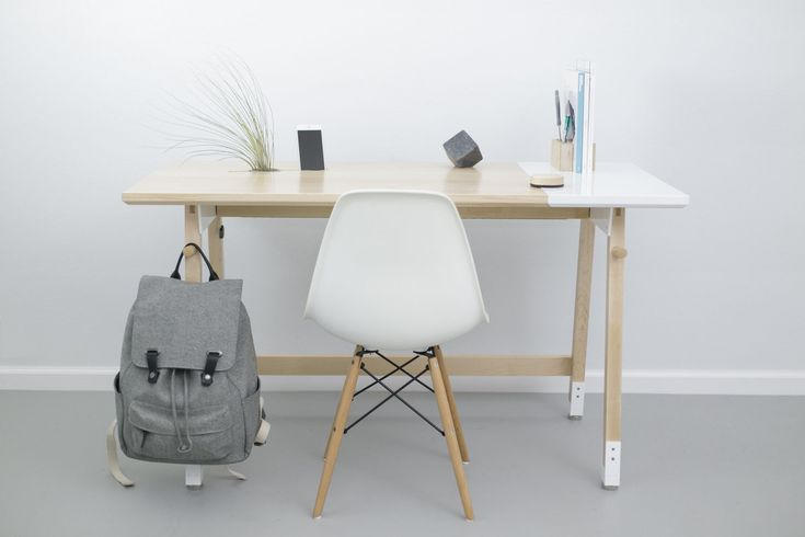 These standing desks of 2016 have the best features, designs, and prices. They should also provide the most benefits of any standing desk.