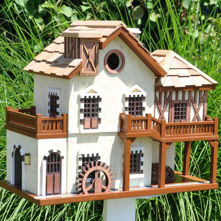101 best cottage birdhouses images on pinterest for Creative birdhouses