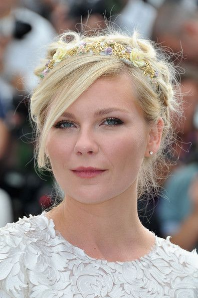 Kirsten Dunst Bobby Pinned updo: Dunst Bobby, Cannes Film Festivals, Wedding Hair, Kirsten Dunst, Eye Makeup, Pin Updo, Flowers Crowns, Hair Style, Bobby Pin