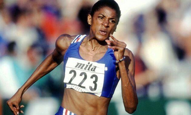 Spécialiste du 400m, Marie-José Pérec est la seule athlète française à être triple championne olympique, deux fois sur sa distance de prédilection et une fois sur 200m. Elle est par ailleurs la première, hommes et femmes confondus, à avoir conservé son titre sur 400m lors de deux olympiades successives (Barcelone en 1992 et Atlanta en 1996)