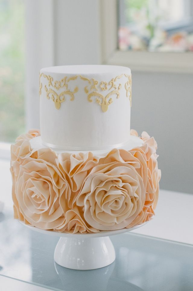 Peach & gold Cake... Personalized Cake serving sets... | http://thevineyard.carlsoncraft.com
