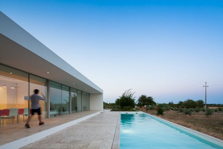 Exterior aspect of a residential house in Tavira, Portugal by Vitor Vilhena