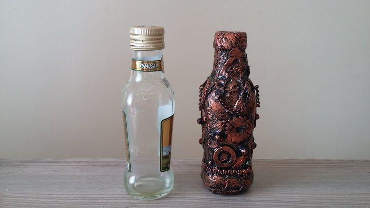 Cam Şişeden Metalik Antik Vazo/ Steampunk Vase / Geri Dönüşüm     Antik görünümlü vazo Çöpe atmak istemediğiniz eşyaları dönüştürmek için çok güzel bir yöntem. Çöpteki cam şişe olacakken evimde biblo oldu. Çok dinlendirici ve keyifli bir çalışma.