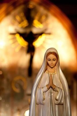 To Jesus through Mary.