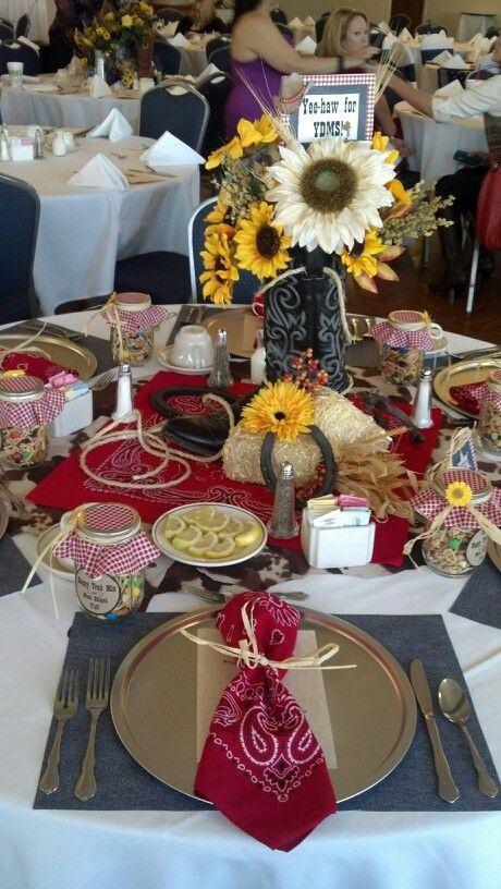 Western themed table decor for luncheon western theme - Decoration de table idees ...