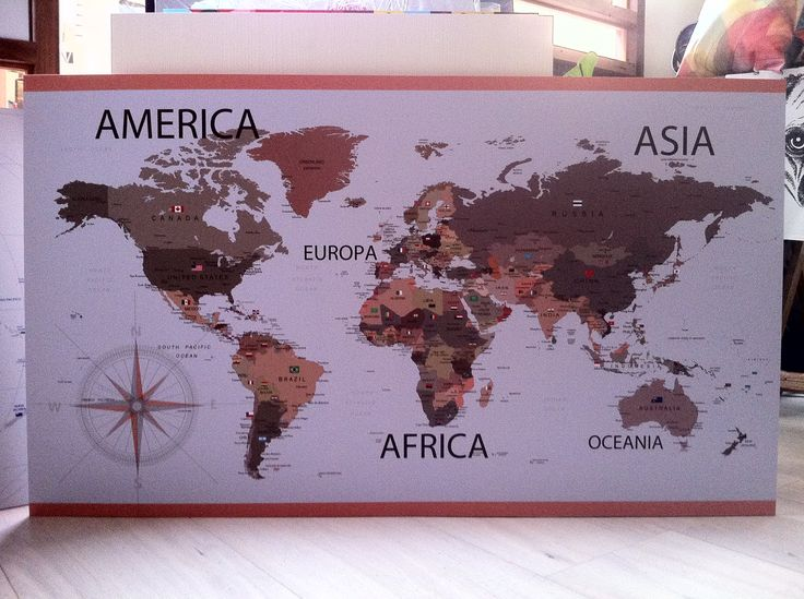 Mapamundi formato afiche 120 x 70 centímetros.