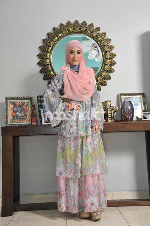 April Jasmine --- Buy the magazine at https://www.facebook.com/notes/moshaict-moslem-fashion-district/daftar-nasional-reseller-buku-hijab-moshaict/280384698688485 --- www.moshaict.com  #hijab #fashion #fashionhijab #islamicfashion