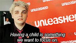 Gee with love for his daughter/ Gif2