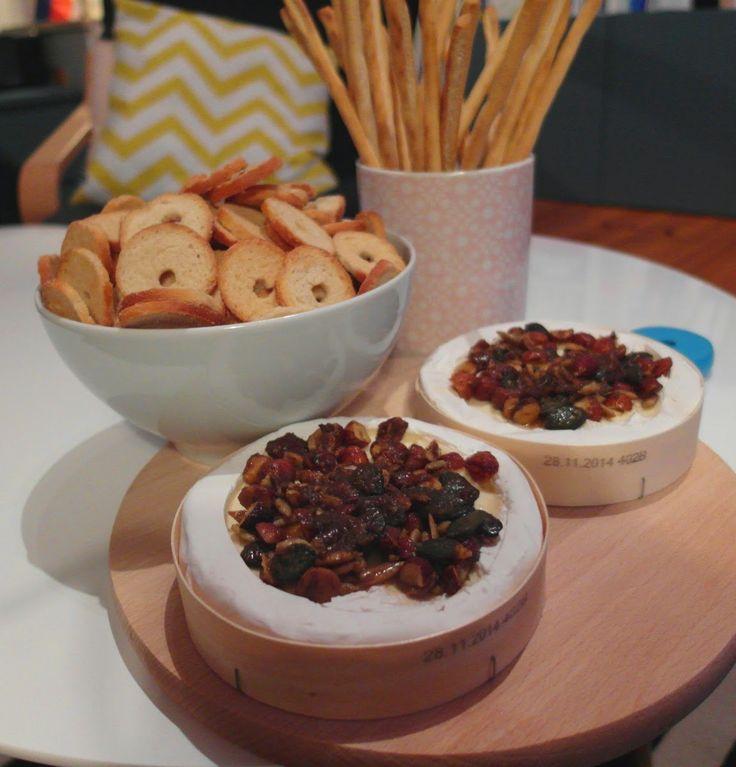 Aneta Goes Yummi: Chuťovka na párty: Pečený syr s bielou plesňou a korenenými…