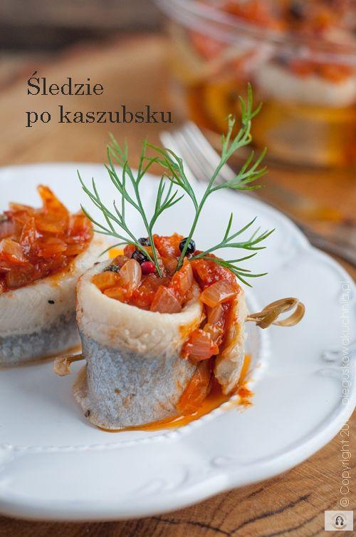 śledzie po kaszubsku, śledzie, ryba, boże narodzenie, tradycyjna potrawa, świąteczna, przystawka, kolacja, kuchnia polska, zakąski