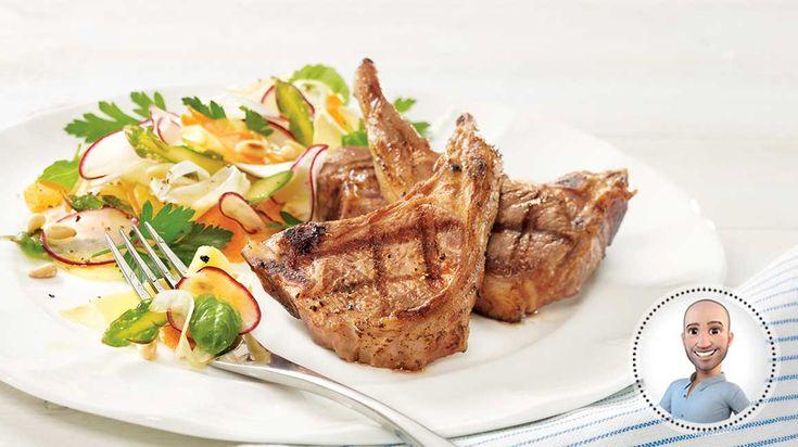 Côtelettes d'agneau grillées et salade de rubans de légumes de Stefano Faita