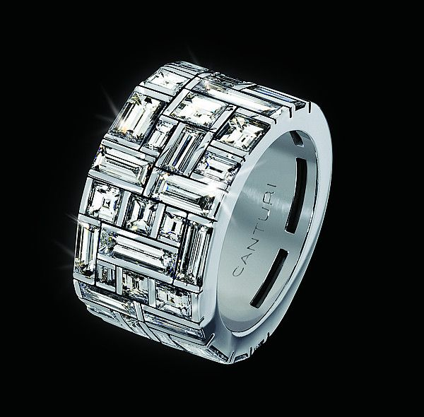 In love with this Canturi Cubism Diamond Ring - maybe I'll get a suprise for our 10 year wedding anniversary ;)