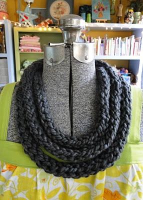 finger knitting - intriguing!