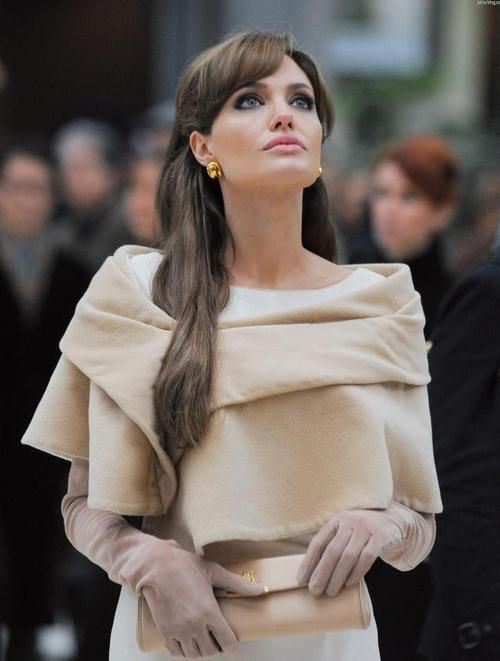 Angelina Jolie in The Tourist, I love her style and makeup in this movie.