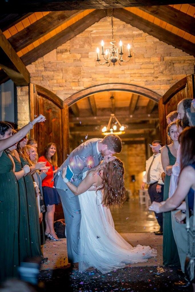 Sweet Kisses And Beautiful Brides Bluemountainweddings Bluemountainvineyards Bluemtnvineyards Dahlonega