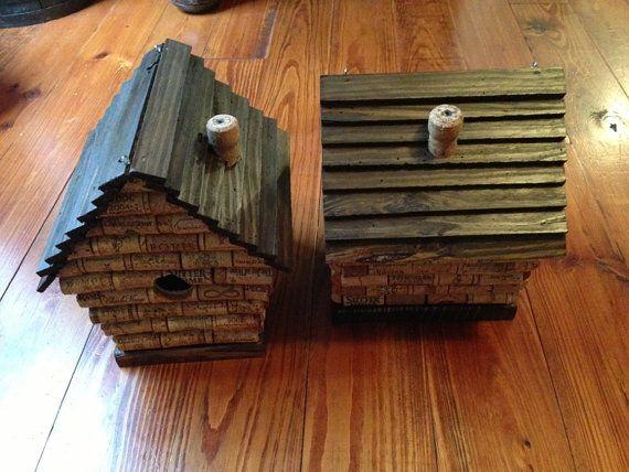 Die besten 25 korken vogelhaus ideen auf pinterest Wine cork birdhouse instructions
