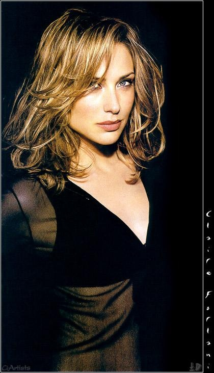 Claire Forlani's golden light brown