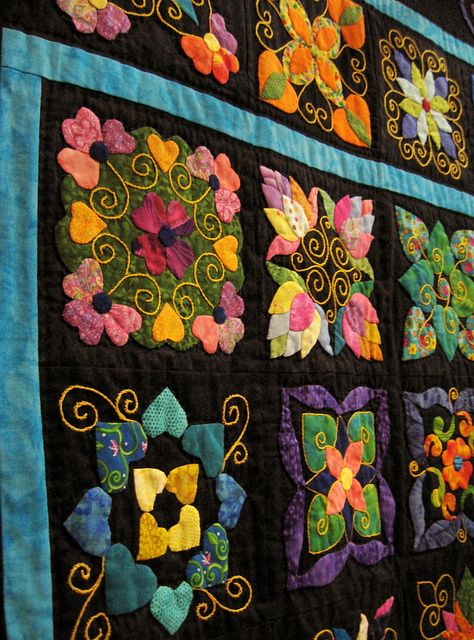 Joanne Reagh - Kaleidoscope of Hearts - owh such a wonderful quilt - black background just made it more stunning!