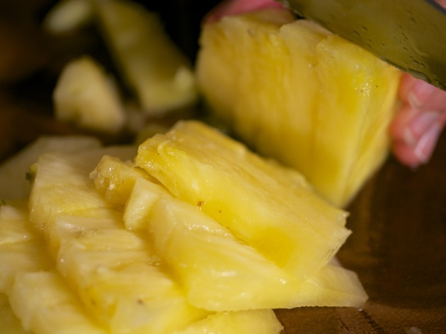 chia-porridge-with-spicy-pineapple-topping-grassrootsandgrains (4)