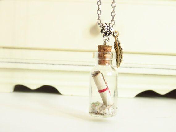 Colgante mensaje en una botella, minibote de cristal con papiro dentro, message in a bottle pendant, mejor regalo mejor amiga, novia, madre
