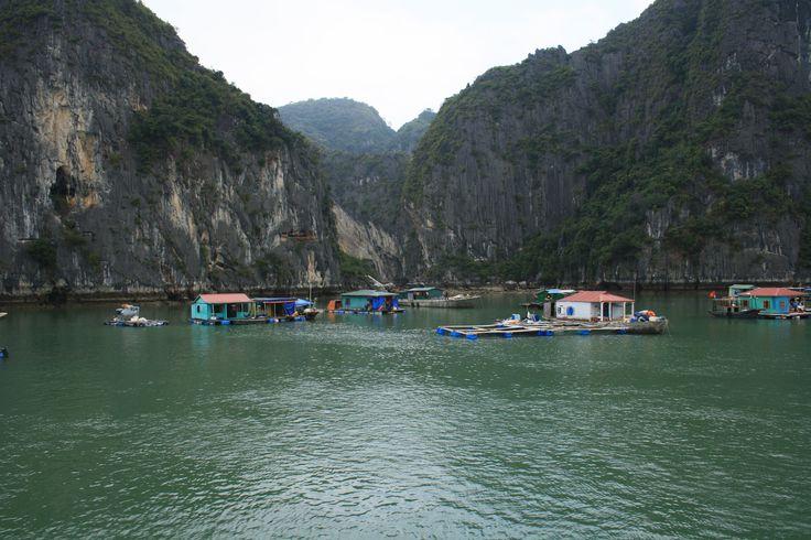 Vịnh Hạ Long (Ha Long Bay) em Thành Phố Hạ Long, Tỉnh Quảng Ninh