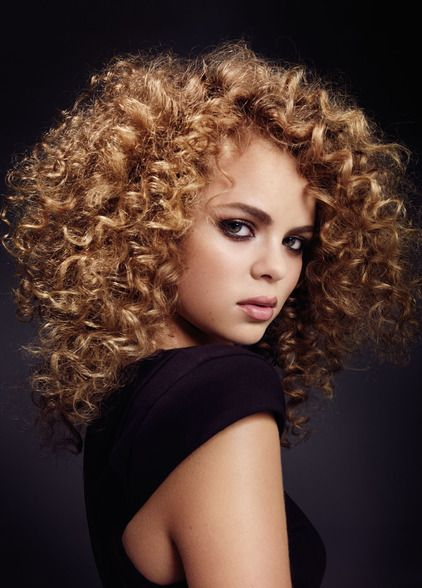 CURLY TEXTURE - BEAUTY