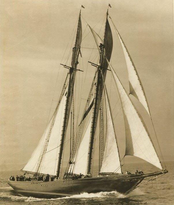 schooner-bluenose-sailing