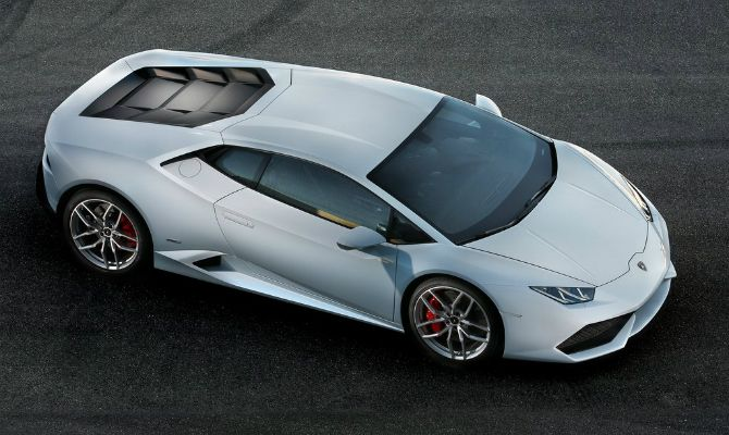 Lamborghini Huracán virá para o Brasil; velocidade máxima do carro é 325 km/h.