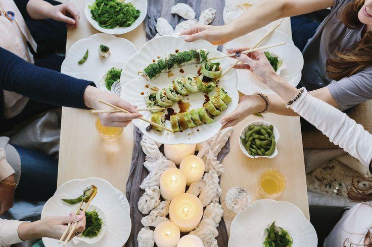 Suomessa epäeettiseksi koetaan esimerkiksi niin sanotut ilmaiset lounaat. Kuvituskuva